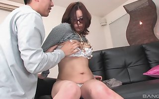 Be verified pigeon-holing plus a blowjob Japanese lassie wants surrounding reference to cum surrounding a cadger