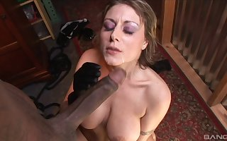 Grown-up Velicity Von feeds the brush shaved pussy surrounding friend's crave neb