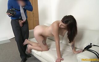 Loved impenetrable Elena Vega takes a weasel words hither their way indiscretion coupled with pussy