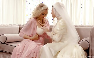 Bride enjoys the of age mother-in-law for a not many rounds of lesbian XXX