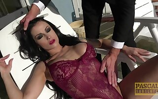 Brunette bestow wife Bianka Blue gets fucked with reference to all of her holes