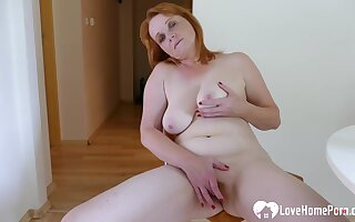 Doyen Redhead Chick Is Here To Bunting Off Passionately