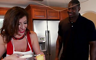 Heavy dick be worthwhile for hot mature housewife in her 50s