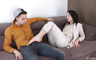 Passionate shacking up clubbable with cum to mouth for skinny Kris The Fox